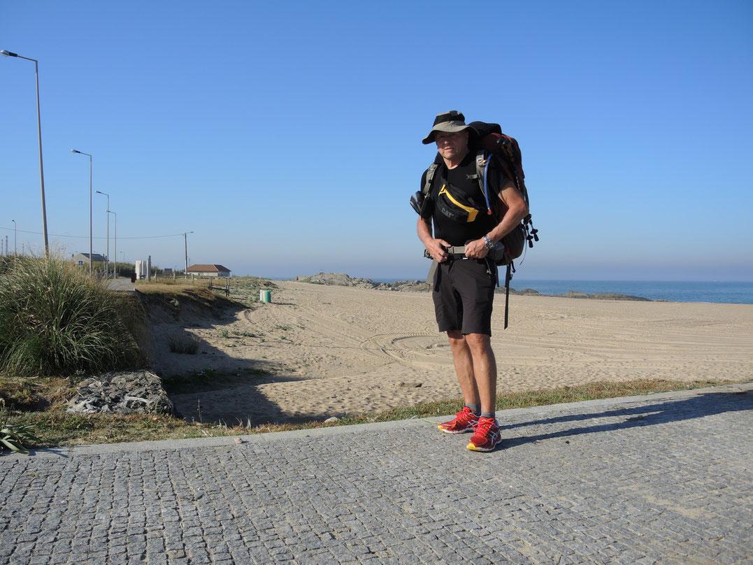 Mein Caminho Portugues beginnt am Strand von Porto. Entscheide mich direkt an der Küste zu gehen.