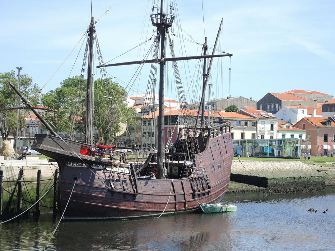 Schiff aus dem Fernando Magellan Geschwader. Apollo Kapsel aus dem Jahr 1519.