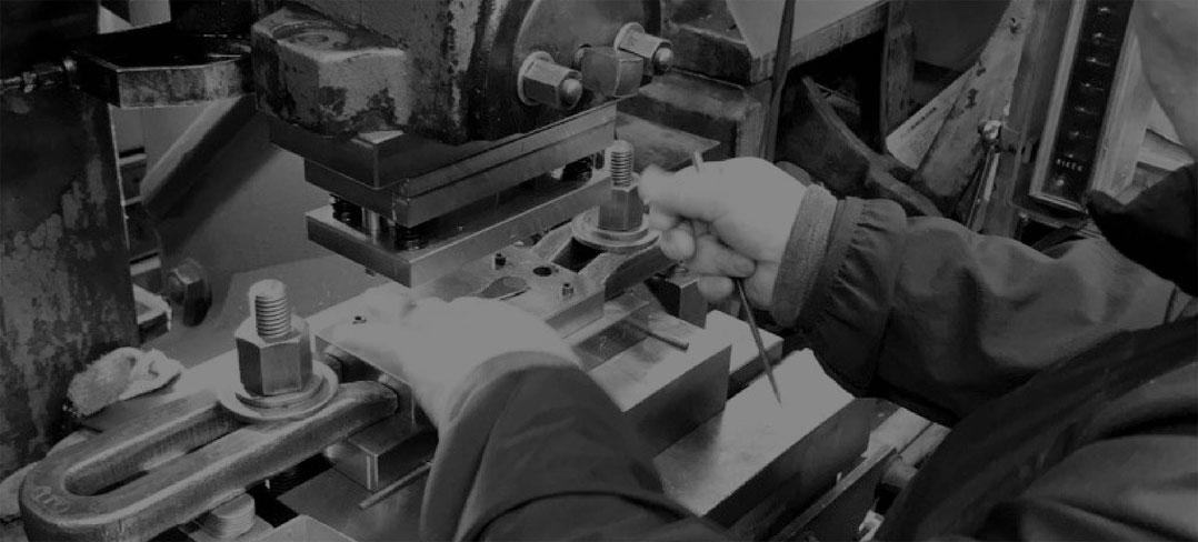 工場での作業の様子