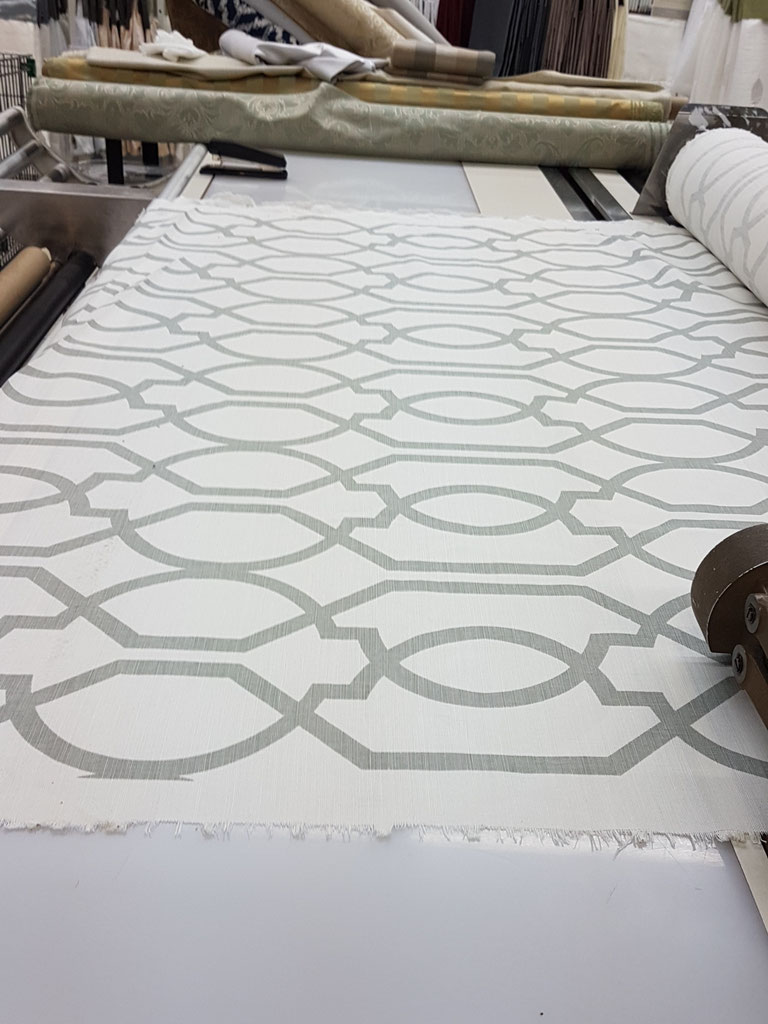 #Maze #fabric #good for #upolstery #drapery #curtains #homedecor  #draperyking #toronto  416 783 7373  #style #design #gq #geometric #readymadedraperypanels #styleathome #homeandgarden #interiordesign #instagood #instastyle #interiors #torontodesigner  linen prints #hireadesigner  #jffabrics #robertallen @robertallendesign  #fabric #custom #romanblinds  friday and brought me this picture on sunday #loveyourhome #diningroom #instadesign #instadecor #loveyourhome #interiors