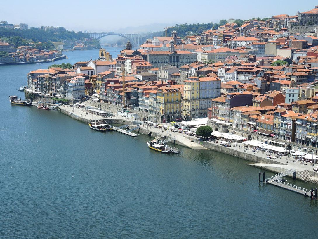 Porto ist schön. Verbringe hier erst paar Tage bevor ich starte.
