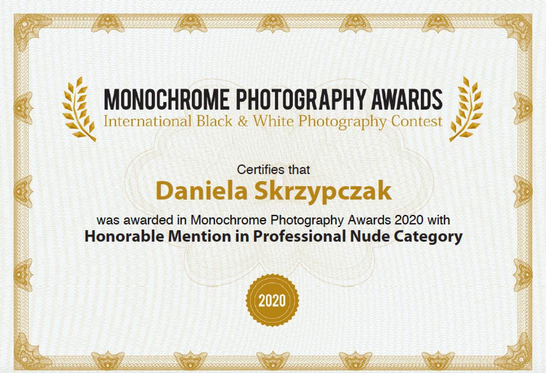 Monochrome Awards Honorable Mention(Professional)