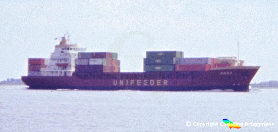 Container-Feederschiff ANNA, Elbe 1983