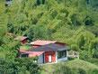 Apoyamos una escuela de agroecología.Trabajamos en diseño y construcción de viviendas sostenibles. Estamos en la red de prestadores de servicios de turismo sostenible en la cuenca alta del río Otún