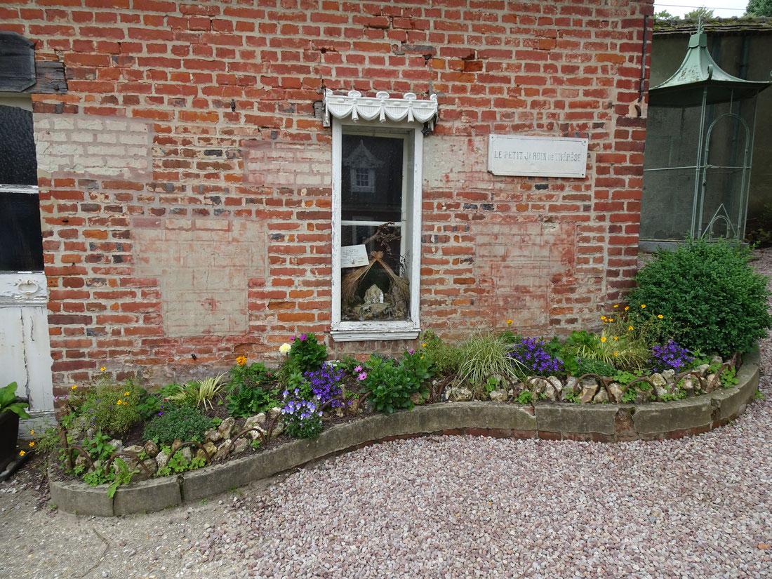 Le petit jardin de Marie-Françoise Thérèse aux Buissonnets