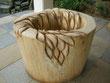 Holztisch Blattschnitzerei