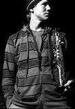 Chris Kronreif mit Sopran Saxophon für Live Band in Wien / Niederösterreich Glossy Trotzki