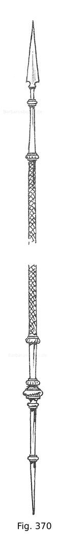 Fig. 370. Türkische Copie mit silbernem, innen hohlen, 2,50 m langen, gerauteten Schaft. 16. Jahrhundert.