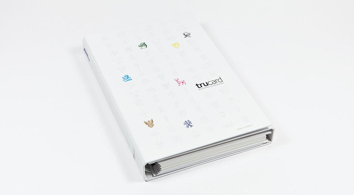 Trucard Kartonmusterbuch als Ringbuch mit geteilten Kartonmuster für PaperlinX Deutschland