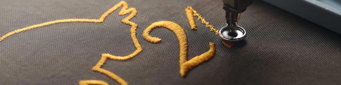Feld Textil mit DTF Textildruck digital - Transferdruck digital und Stick individual - www.krawatten-tuecher-schals-werbetextilien.de - Textilveredlung und Corporate Fashion der nächsten Generation. Edler Stick. Viele Farben.