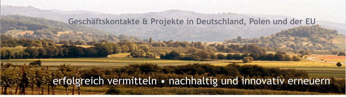 Blick von Pfaffenweiler zum Süd-Schwarzwald - über das Markgräflerland bei Staufen