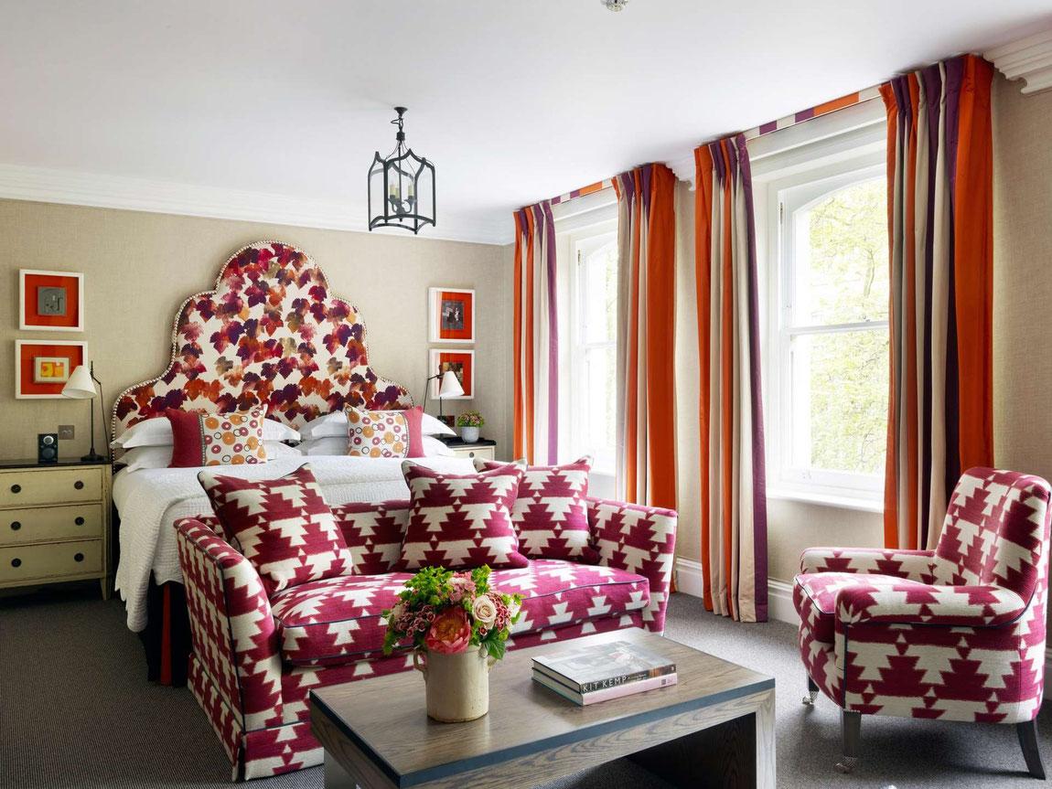 Knightsbridge Hotel - farbenfrohes Zimmer