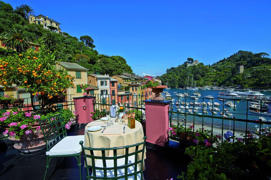 Blick auf den Hafen von Portofino