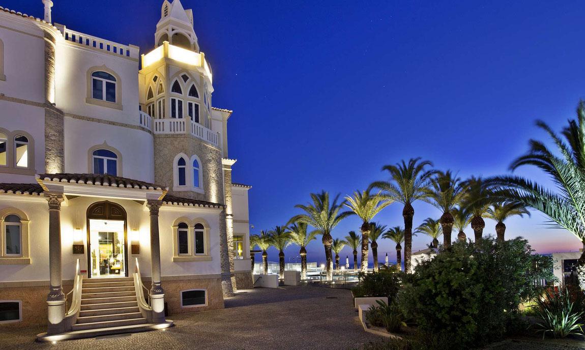 Bela Vista Hotel am Abend von aussen