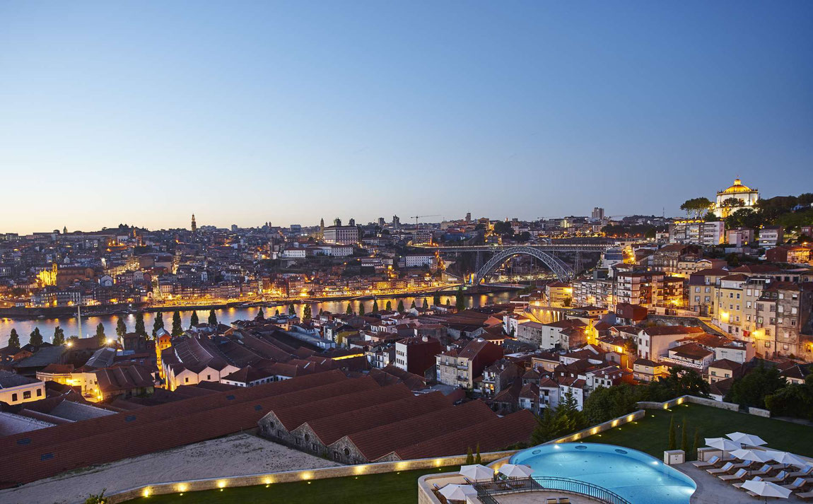 Blick vom The Yeatman auf Porto am Abend