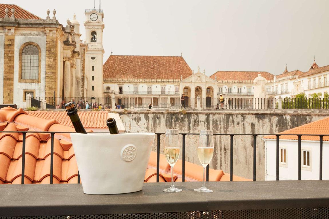Sapienta Books and Wine Hotel Dachterrasse mit Blick auf die Stadt