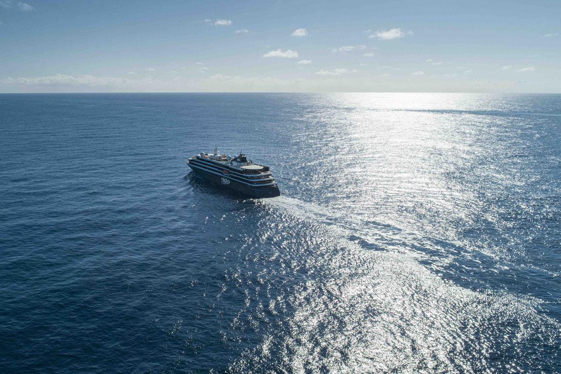 WORLD VOYAGER auf See