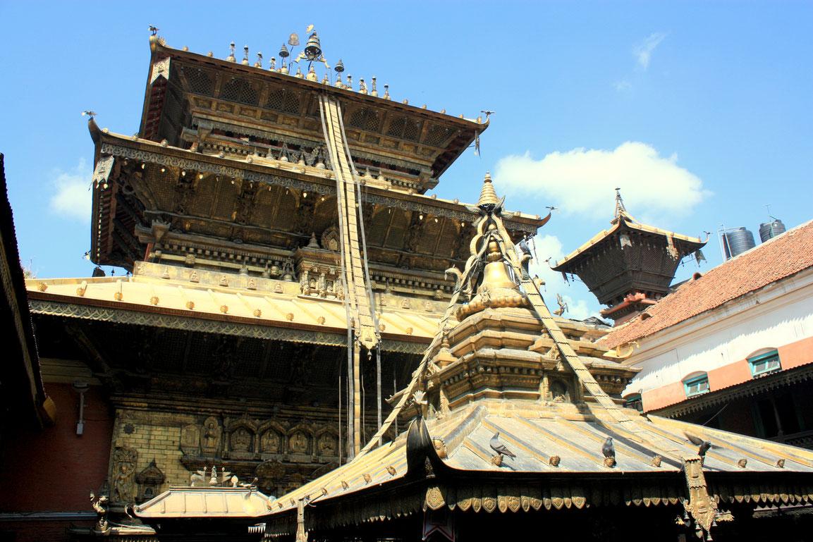 Le temple d'or de Patan