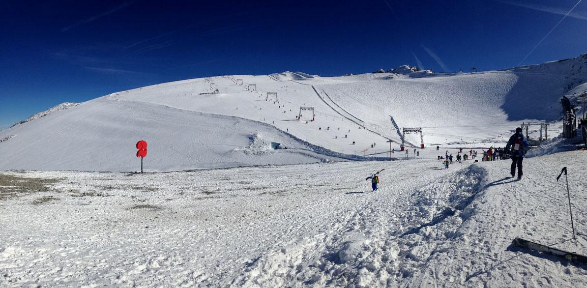 Le Glacier des Deux Alpes déjà recouvert d'une belle couche de neige en ces vacances de la Toussaint
