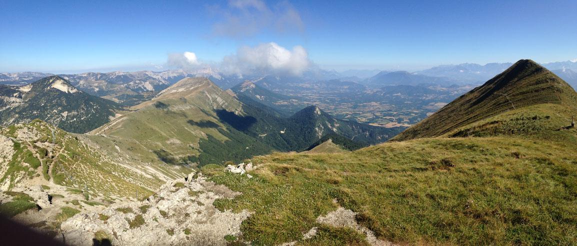 Vue sur le Plateau du Trièves et le Mont Aiguille