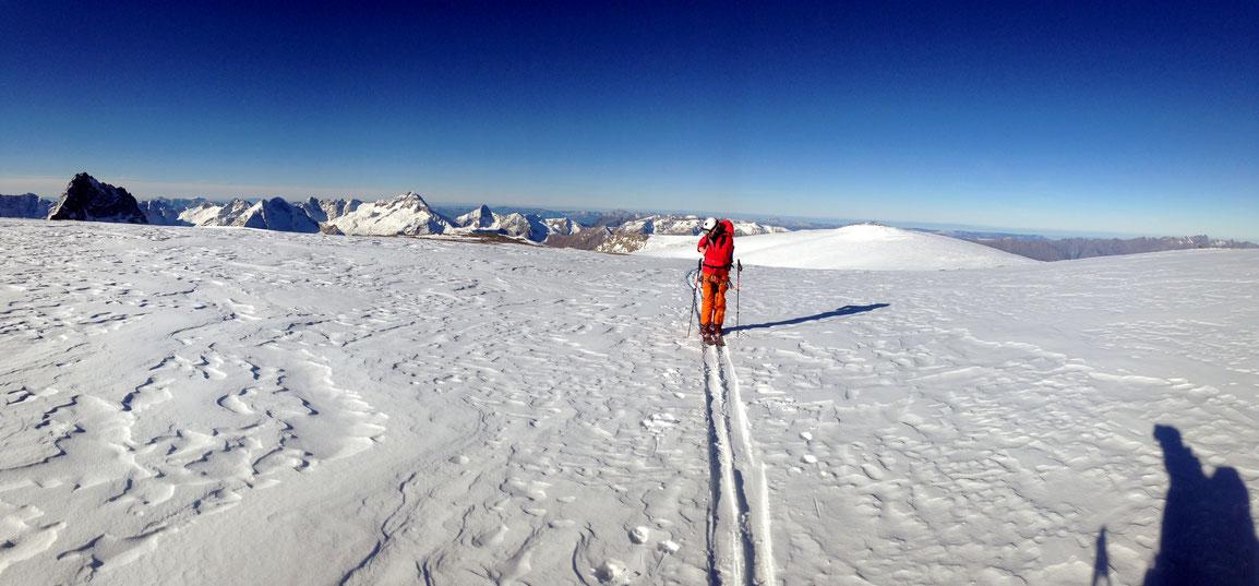 Traversée au dessus du Dôme de La Lauze (3568 m)