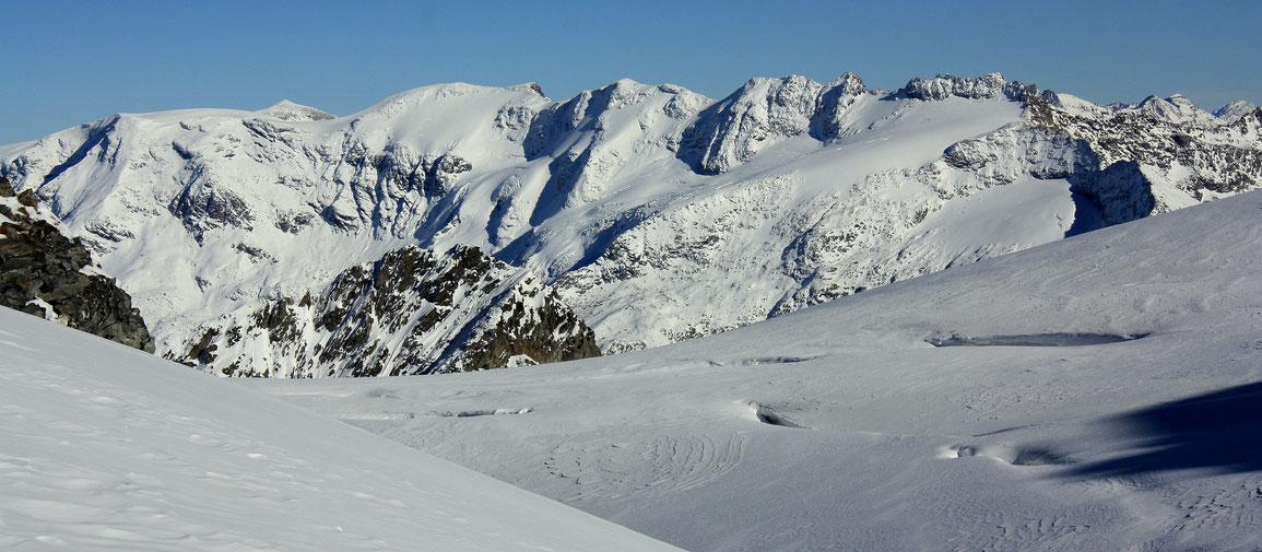 Vue sur les glaciers de la Vanoise depuis le Col de Gébroulaz