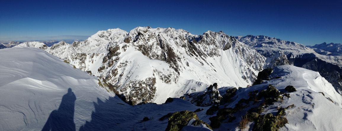 Vue vers le Nord, du Grand Colon à la Meije depuis le sommet de la Vaudaine