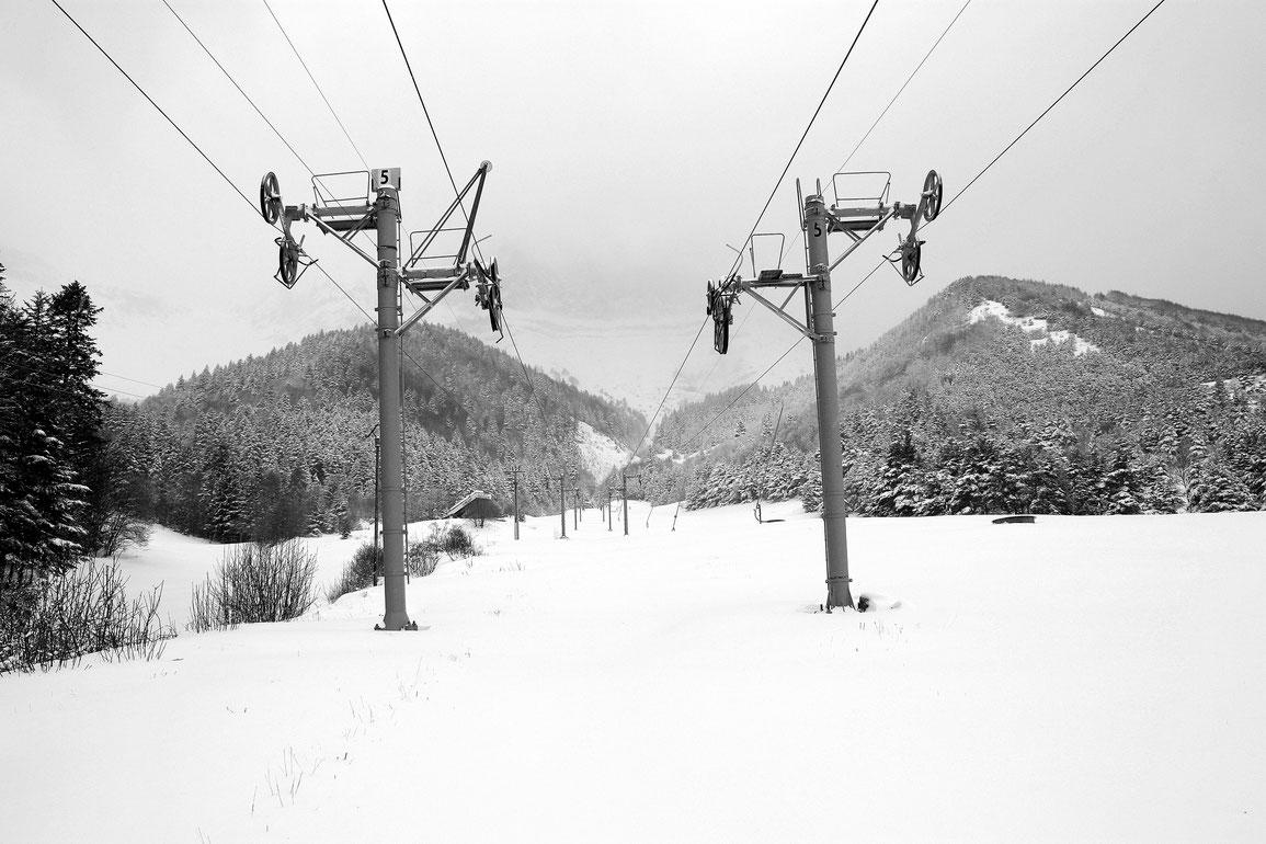 Les téléskis de Gresse en Vercors en black & white