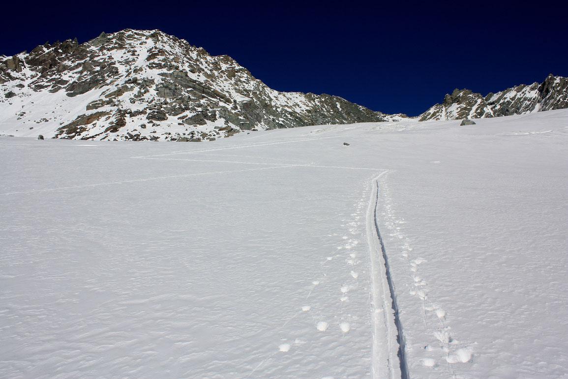 Glacier de Chavière & Col de Gébroulaz encore vierge de trace mais plus pour longtemps...