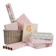 Geschenkpapier, Geschenkband, Häkelbordüren, Spitzenbordüren, Box für Geschenkbänder, Dekoration, shabby chic, Landhausdekoration