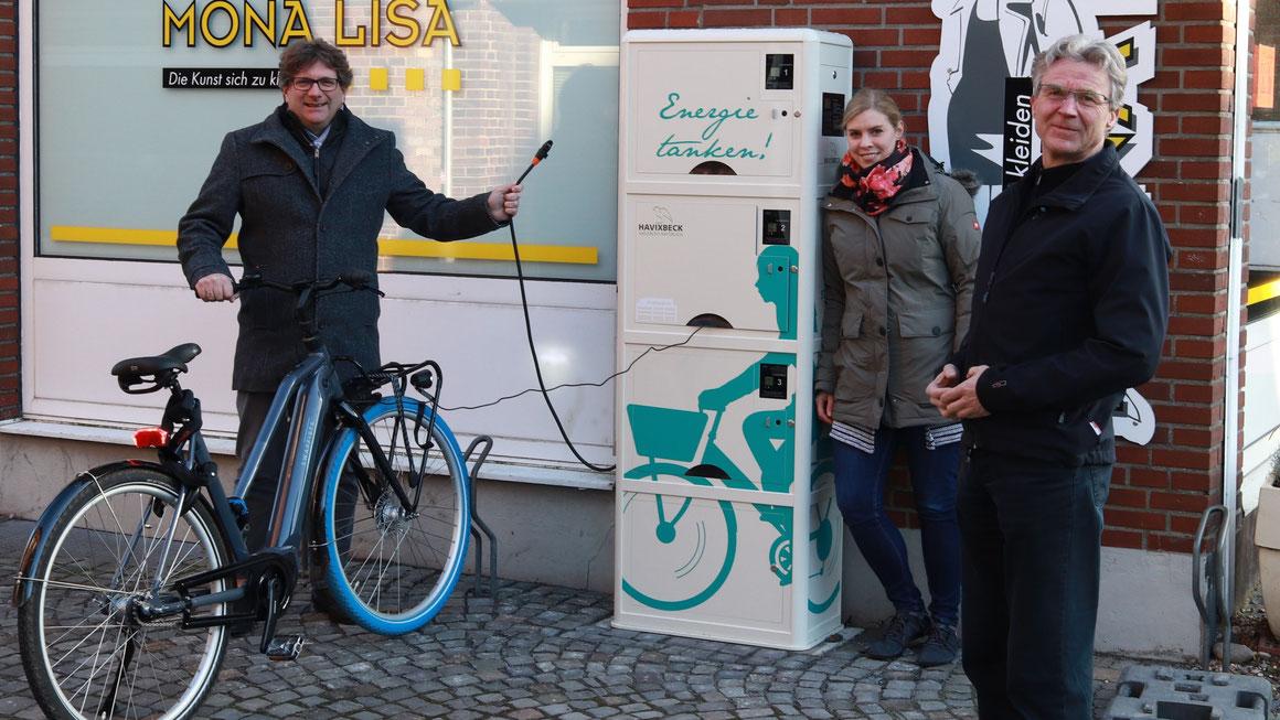 An der Hauptstraße in Havixbeck stehen dank der Kleinprojekte-Förderung jetzt drei E-Bike-Ladeboxen zur Verfügung. Foto Frank Eikelmann/ Gemeinde Havixbeck