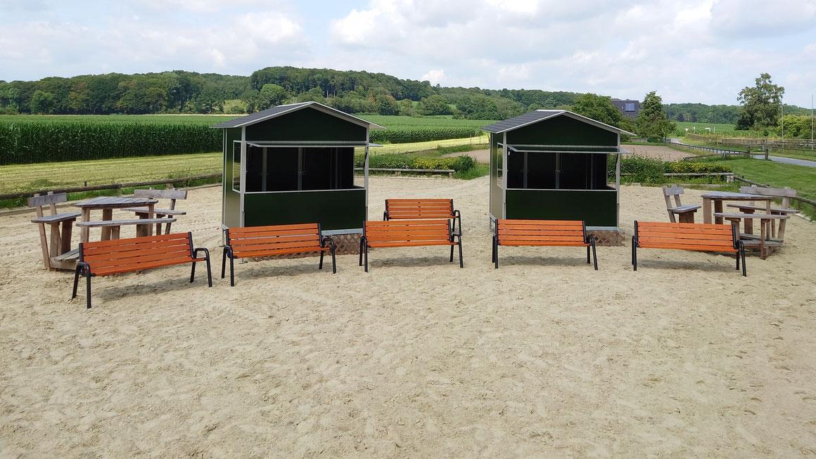 Sitzbänke, Sitzgruppen und Richterhäuschen für Turniere hat der ZRFV Billerbeck mit Hilfe der Kleinprojekte-Förderung angeschafft. Foto: ZRFV Billerbeck