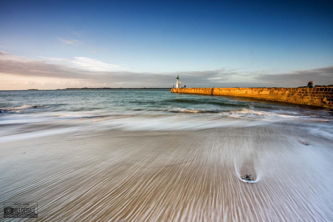 La pointe de merquel et son phare, photographie en pose longue