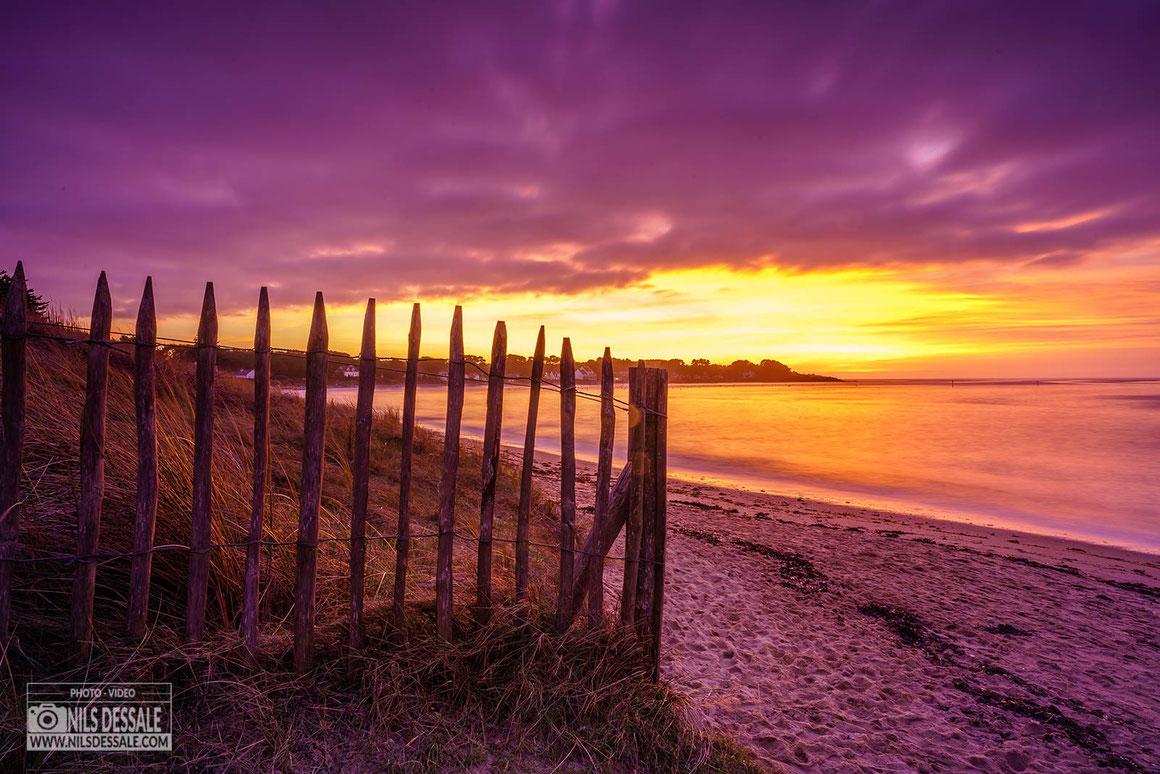 Coucher de soleil sur les dunes de la plage de lanseria