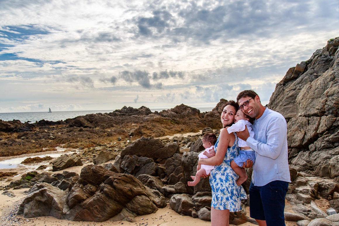 Séance photo en famille à Batz sur Mer plage de la govelle