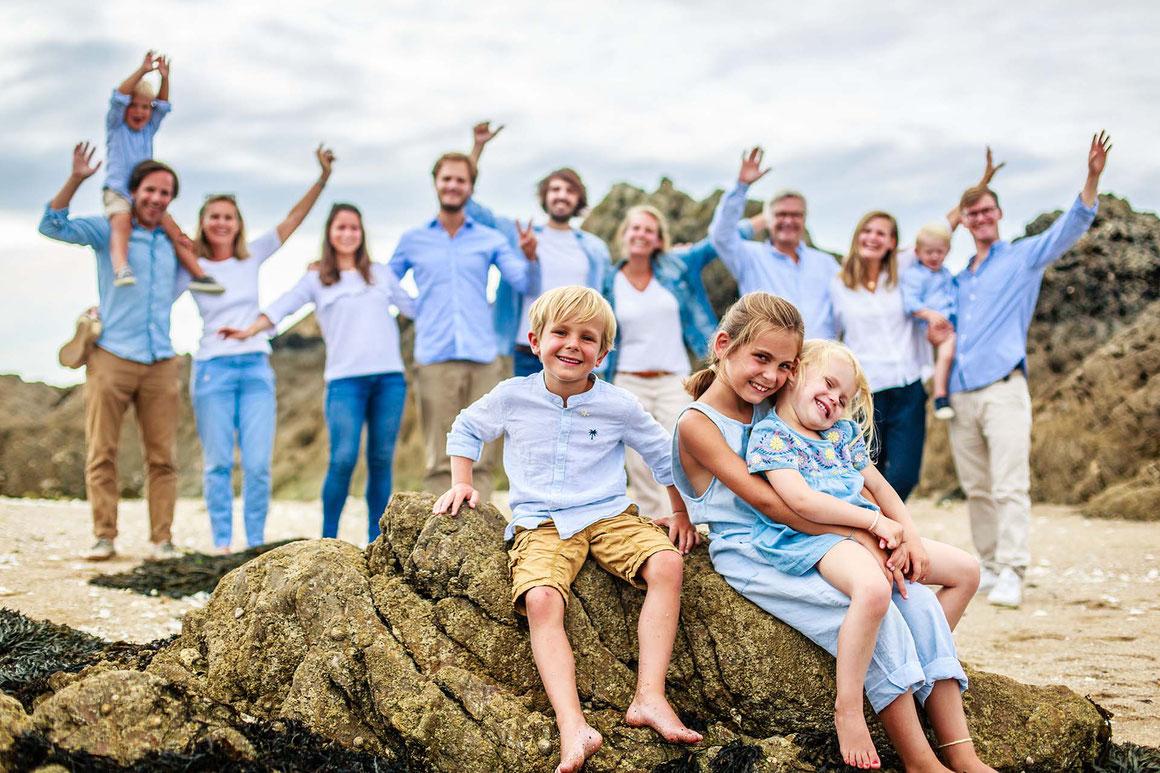 Séance photo Portraits en famille à Quimiac au port du Toul-Ru avec le Photographe Nils Dessale