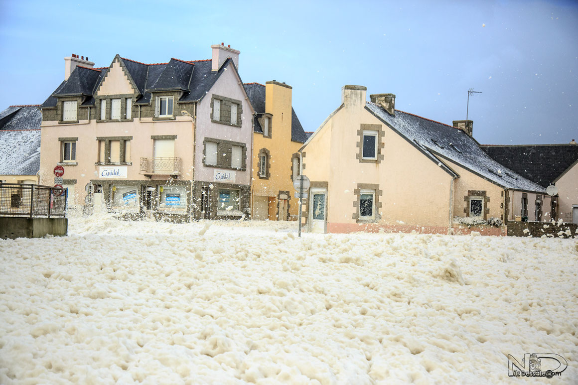 Neige d'écume tempête en Bretagne - Finistère