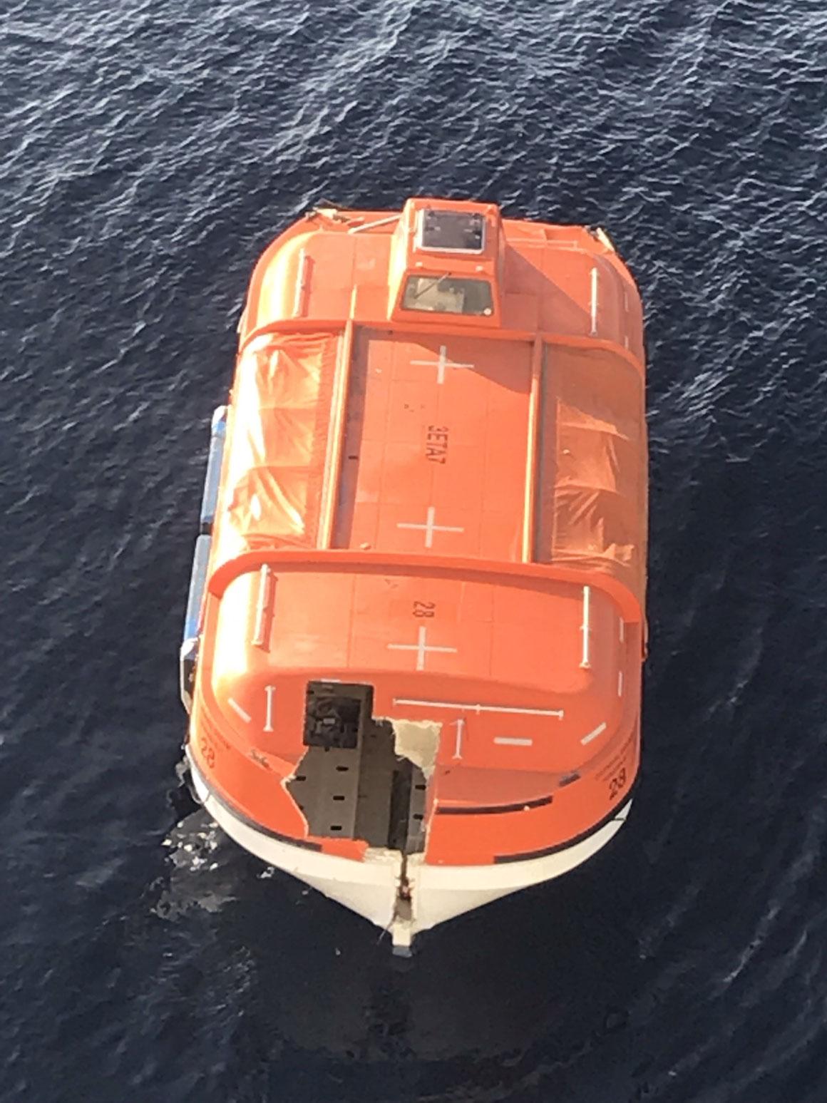 Carnival Dream verliert Rettungsboot
