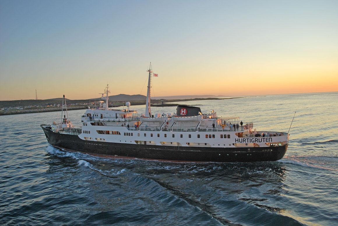Hurtigruten MS Lofoten