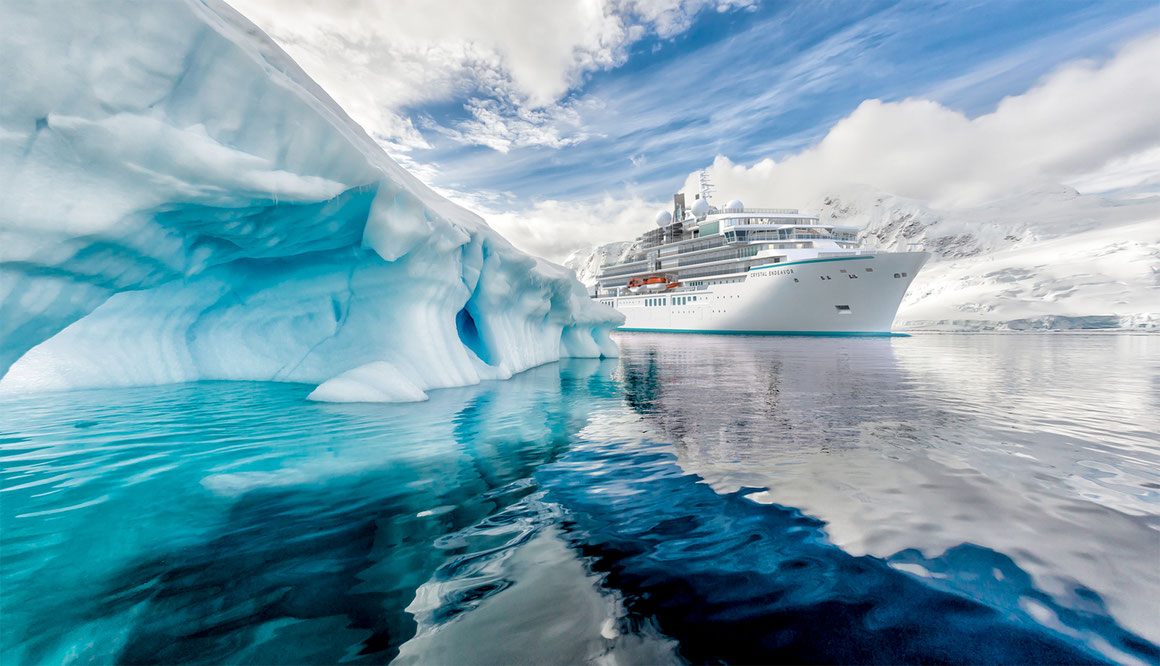 Crystal Endeavor Expeditionsschiff