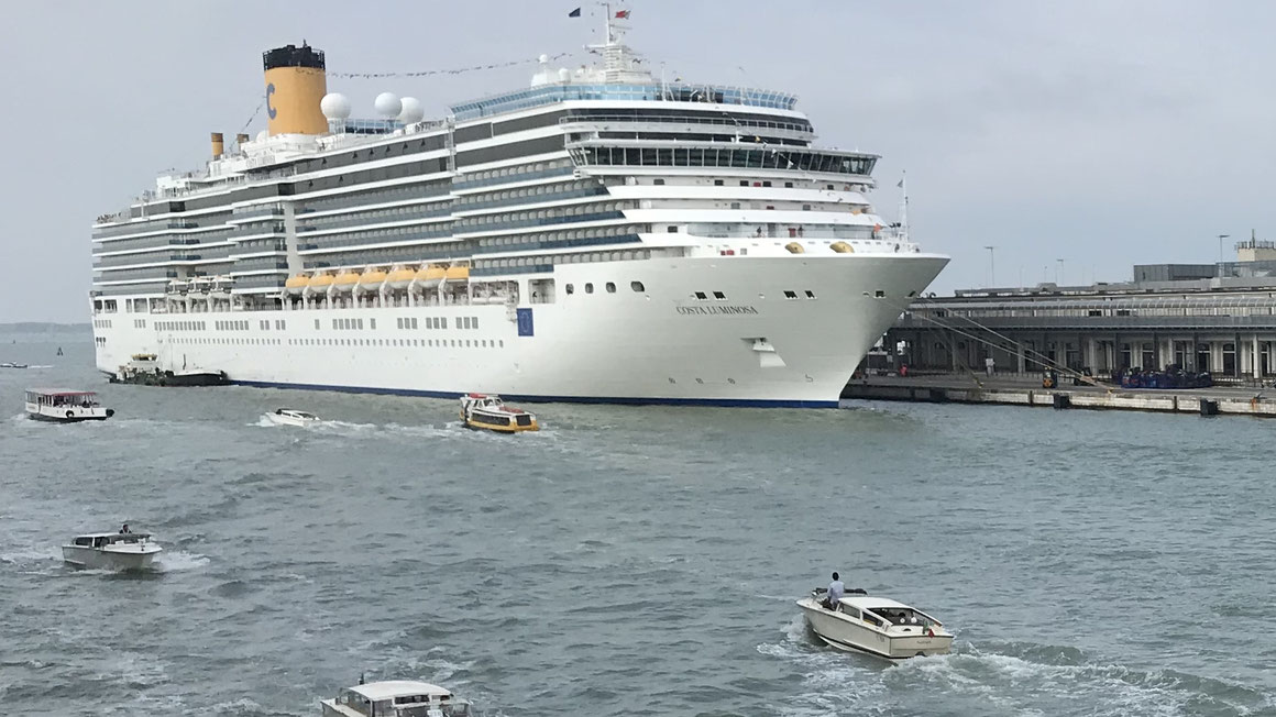 Costa Luminosa in Venedig