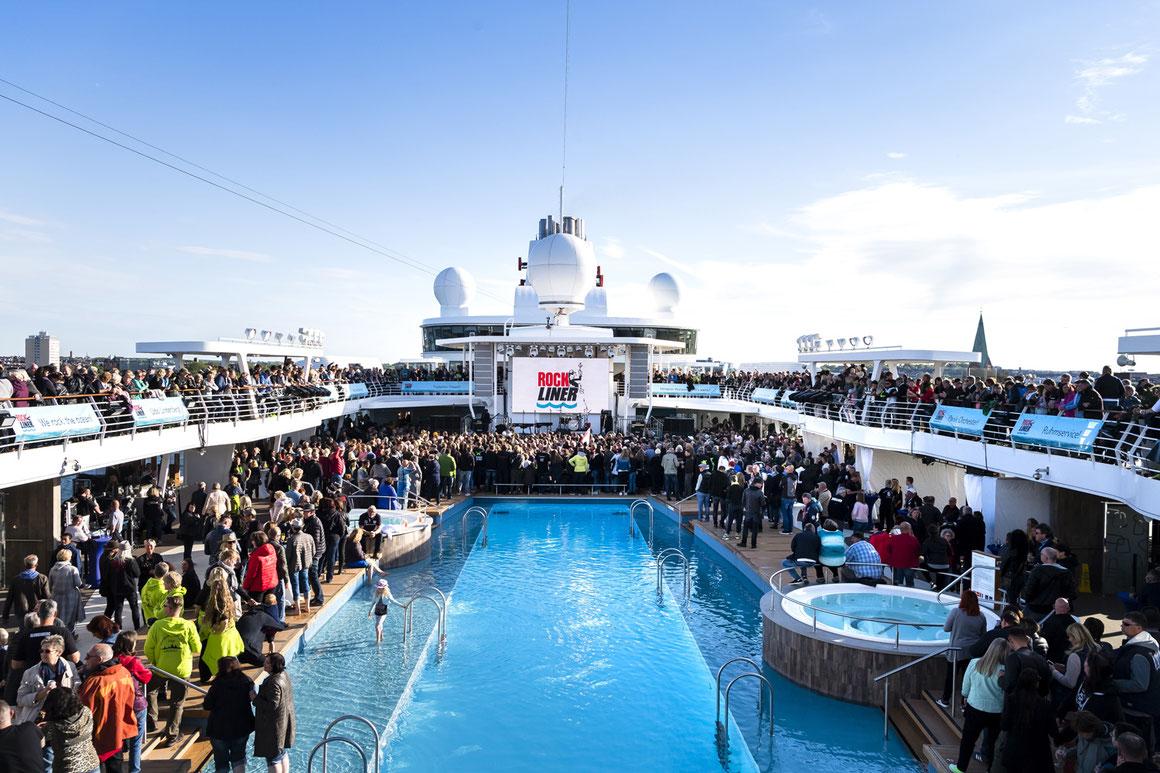 TUI Cruises Rockliner 6