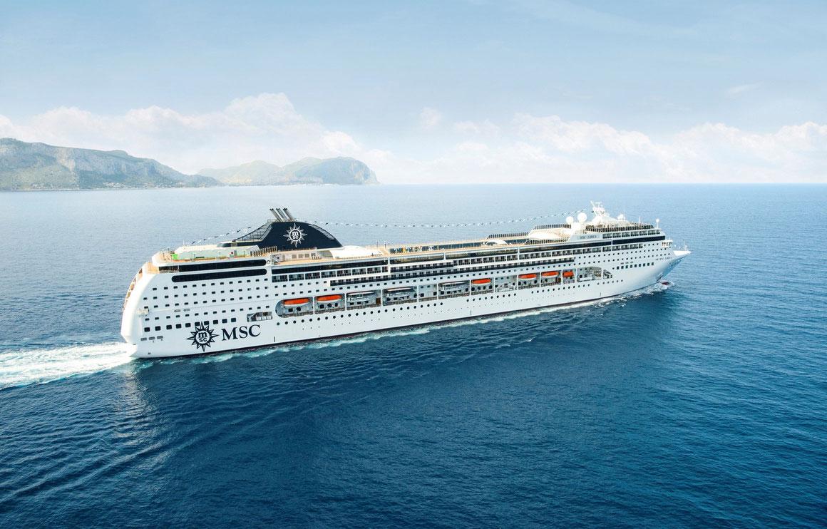 MSC Lirica auf See