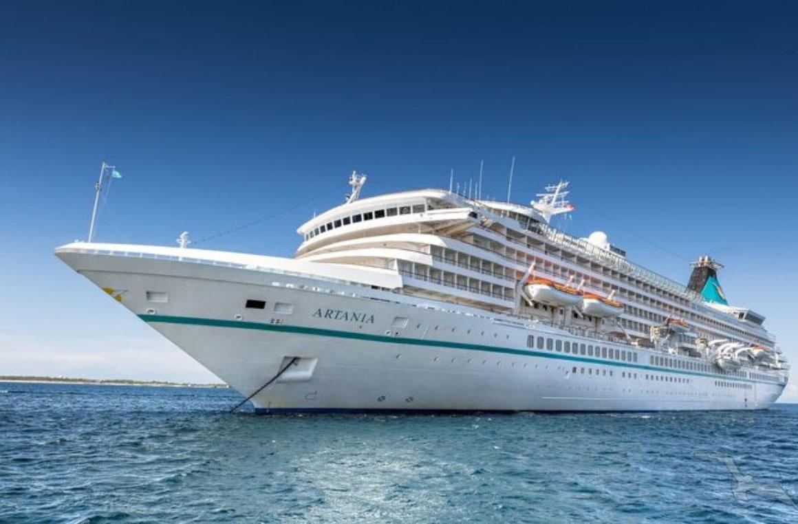MS Artania auf See