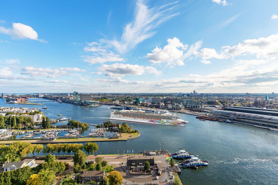 Norwegian Pearl Amsterdam