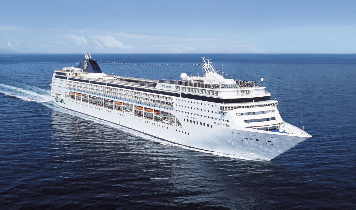MSC Opera auf See