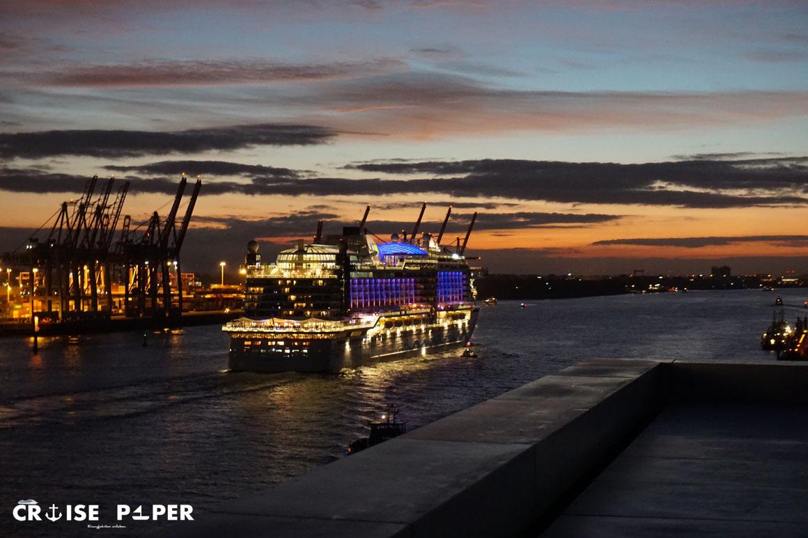 AIDAperla Auslaufen aus Hamburg