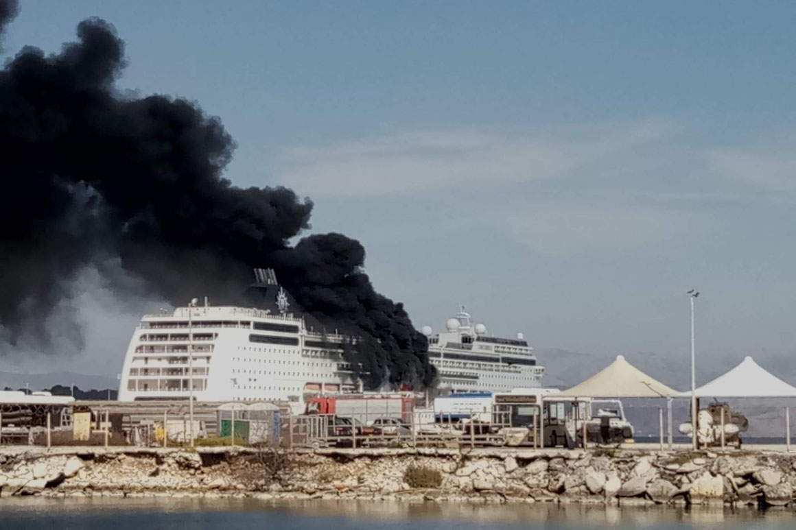 MSC Lirica steht unter Brand in Korfu