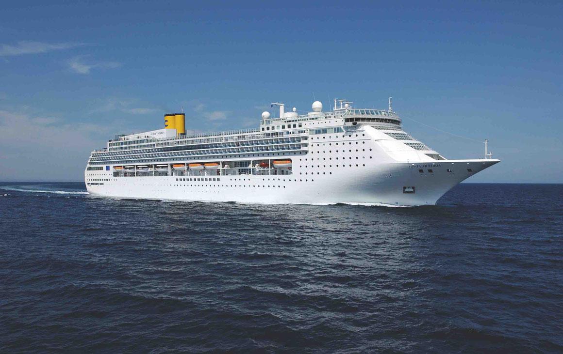Costa Victoria auf See