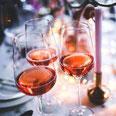 Rose in 3 Weingläsern